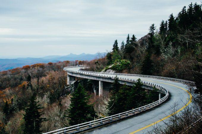 曲線の道路
